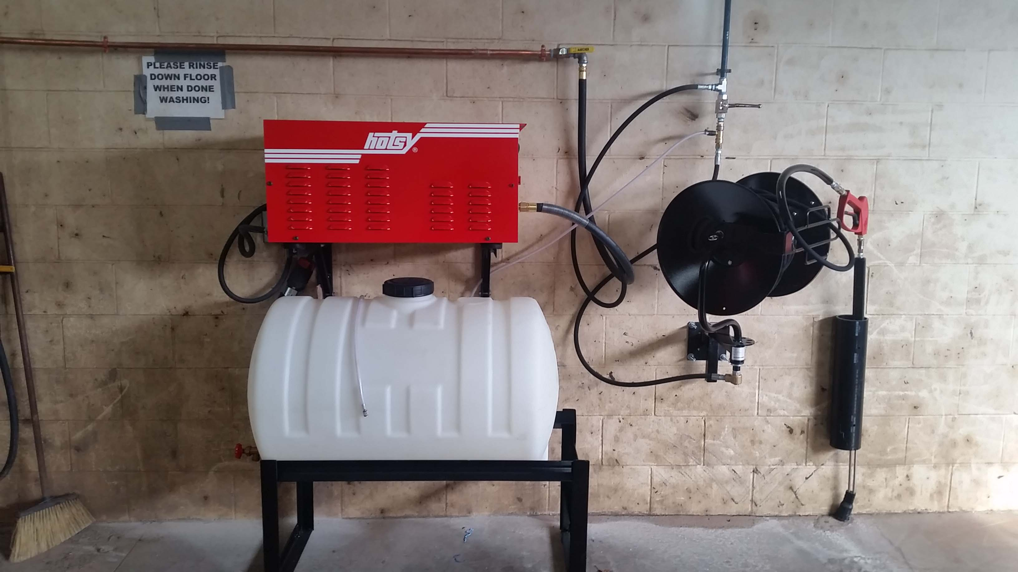 1700 series with bulk soap and hose reel.jpg